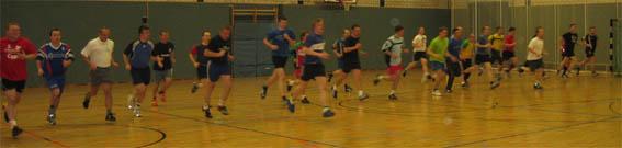 Handball Schiedsrichter in Sachsen beim Lauftest.